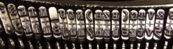 cropped-typewriter-keys2.jpg